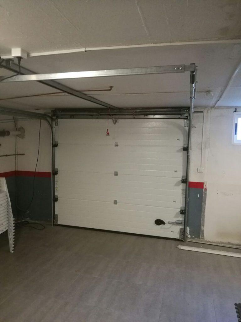Puerta seccional mantenimiento reparaci n y montaje de - Montaje de puertas ...